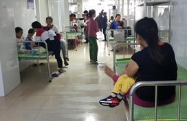 Nghệ An: Rét kéo dài, nhiều trẻ em phải nhập viện