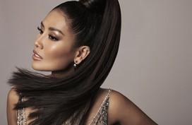 Ngoài vóc dáng nỏng bỏng, Nguyễn Thị Loan còn gây sốt bởi mái tóc khỏe đẹp