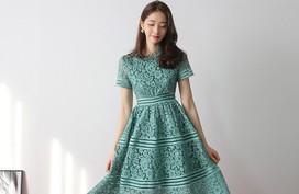 Thú nhận đi nào, có phải cứ đến hè là các nàng lại mê mệt 7 mẫu váy liền siêu xinh này