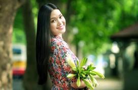 Không phải Đỗ Mỹ Linh, Thuỳ Dung mới là nàng Hoa hậu chăm chỉ diện áo dài nhất