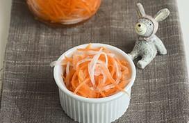 Bí quyết làm đồ chua ăn kèm món nào cũng ngon