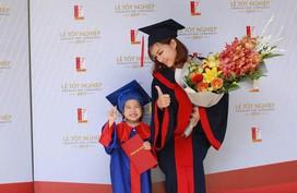 Cô gái 9X một mình nuôi con, học hai trường đại học