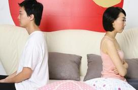 """Khóc thét khi biết nguyên nhân kỳ lạ khiến chồng mình bất lực """"cục bộ"""""""