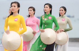 """Hoa hậu Việt Nam 2018: Thí sinh Top 30 Chung khảo phía Nam """"check-in"""" Eo Gió"""