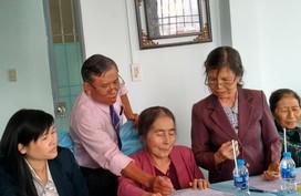 Câu lạc bộ Nhà báo với công tác dân sốđi thực tế ở Lâm Đồng