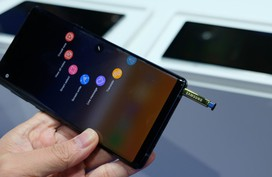 Ảnh thực tế Galaxy Note9 màn hình 6,4 inch, pin lớn