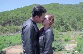 Anh Tuấn, Phương Hằng bị mắng 'hôn nhau như hai thằng đàn ông'