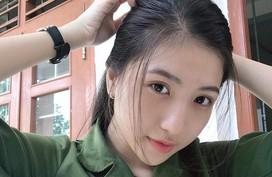 Nữ sinh Y dược Cần Thơ trong trang phục áo lính gây thương nhớ