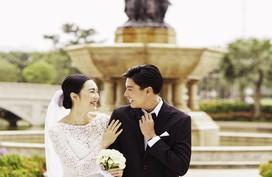 """""""Nam thần"""" Quang Đại và Helly Tống bất ngờ """"lộ"""" ảnh cưới"""