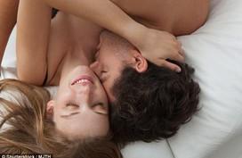 7 vị trí đàn ông luôn muốn được hôn khi ân ái