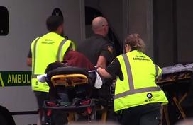 Người mẹ tuyệt vọng chờ tin con trong vụ thảm sát thánh đường Hồi giáo ở New Zealand