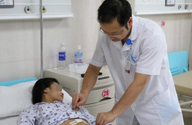 Bụng chướng to bất thường, bé gái 10 tuổi buộc phải cắt một bên buồng trứng