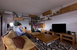 Căn hộ 85m² màu gỗ ngắm mãi không biết chán nhờ những góc vô cùng thú vị của gia đình trẻ ở Nhật Bản