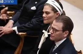 Công chúa Thụy Điển ngủ gật