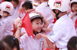Honda Việt Nam trao tặng Mũ bảo hiểm cho học sinh lớp Một toàn quốc năm học 2019 – 2020