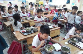 Từ vụ hàng trăm trẻ bị nhiễm sán lợn ở Bắc Ninh, Bộ GD&ĐT yêu cầu siết chặt an toàn thực phẩm trong trường học trên cả nước