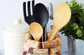 Biến đồ cũ thành phụ kiện lưu trữ nhà bếp đáng yêu mà gọn gàng