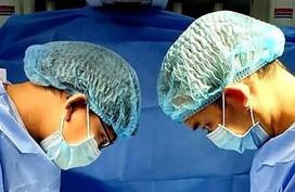 Phổi bé sơ sinh tan nát vì hít phân su từ trong bụng mẹ