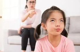 Dấu hiệu tiềm ẩn trẻ lớn lên không có hiếu