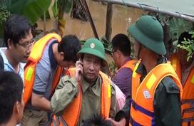 Đoàn người lặng lẽ dưới mưa, tiễn đưa Thiếu tướng Nguyễn Văn Man về đất mẹ