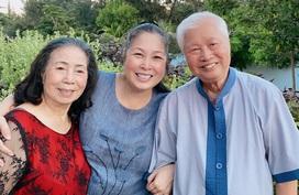 NSND Hồng Vân mừng 60 năm ngày cưới của bố mẹ