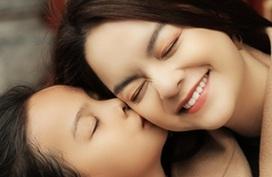 Con gái Phạm Quỳnh Anh đáng yêu trong MV của mẹ