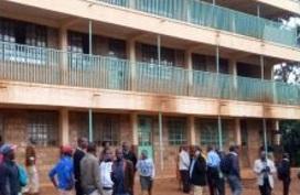 Chen nhau xuống cầu thang, 14 học sinh bị giẫm đạp chết