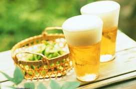 Uống bia điều độ giảm nguy cơ viêm khớp dạng thấp