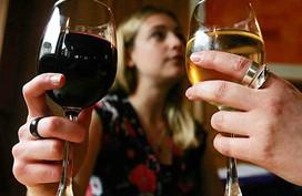 Uống ít rượu vẫn dễ ung thư vú