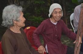 Hơn 40 triệu đồng đến với cụ già 95 tuổi tuốt lá chuối nuôi con bệnh tật