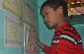 Cậu bé mồ côi Vũ Văn Đức được nhà chùa nhận nuôi đỡ đầu