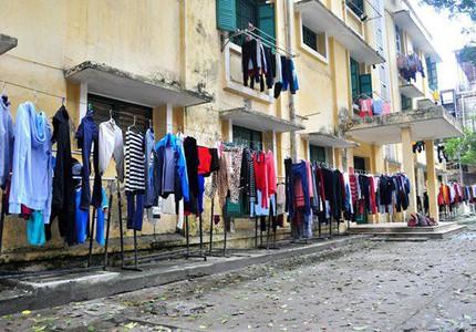 """Mẹo giặt quần áo """"đỉnh cao"""" trời nồm ẩm đến đâu vẫn thơm tho sạch sẽ"""