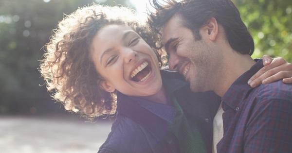 Thói quen nghe đơn giản nhưng không dễ thực hiện để hôn nhân hạnh phúc