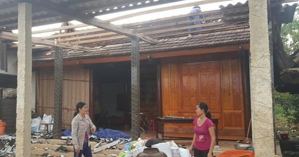 Hà Tĩnh: Lốc xoáy kèm mưa lớn, hơn 130 nhà dân bị hư hỏng nặng