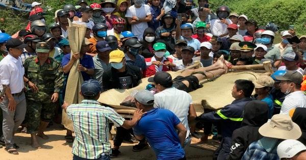 Tìm kiếm hai nạn nhân còn lại trong vụ chìm thuyền kinh hoàng trên sông Thu Bồn