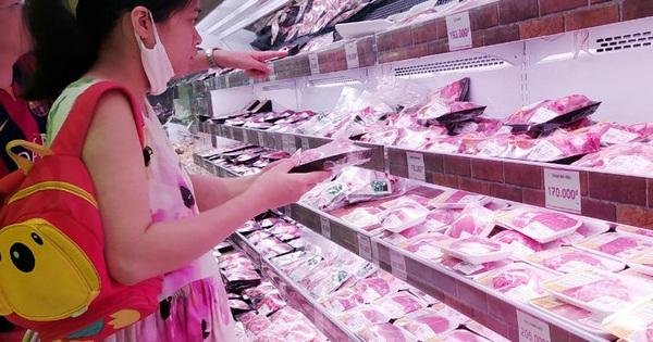 """Thịt lợn tăng phi mã, Bộ trưởng Bộ NN&PTNT """"hiến kế"""" người dân nên ăn thịt gà"""