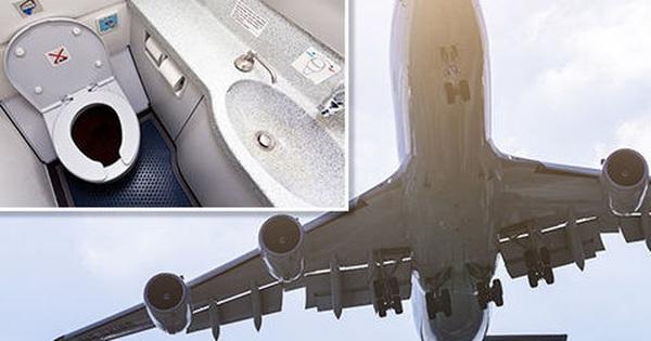 Vì sao không được đi vệ sinh lúc máy bay cất cánh và hạ cánh?