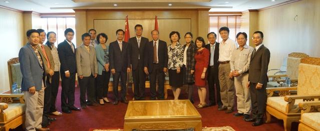 Tổng cục DS-KHHGĐ tiếp đoàn Ủy ban Quốc gia Y tế và KHHGĐ Trung Quốc