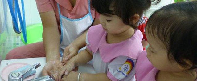 Mỗi năm Việt Nam tốn 15 tấn lương thực để…nuôi giun