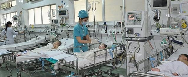 Bé gái ngưng thở sau khi bị giật điện từ quạt máy