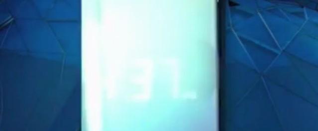 Bảo mẫu quay video nhét trẻ vào tủ lạnh, đăng lên mạng câu 'like'