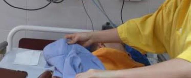 Người mẹ rao bán thận lấy tiền chữa bệnh cho con: Còn gì xót xa hơn!