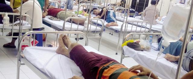 Hà Nội: Bệnh viện nghẹt cứng người khám sốt xuất huyết