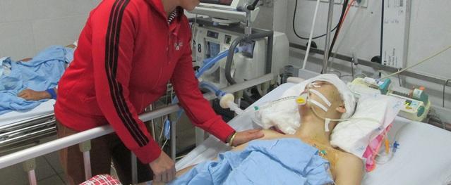 Sự sống lay lắt của chàng trai 18 tuổi bị chấn thương sọ não khi về nhà giúp mẹ gặt lúa
