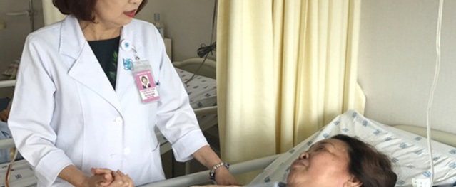 Nữ điều dưỡng Sài Gòn được trao danh hiệu Thầy thuốc ưu tú