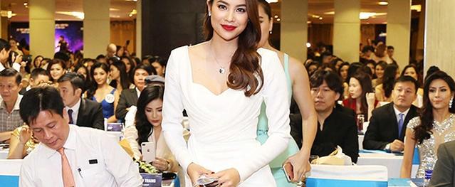 Phạm Hương bồi hồi khi trở lại nơi đăng quang Hoa hậu Hoàn vũ Việt Nam