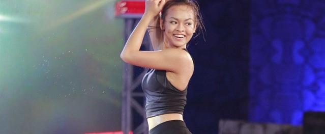 Mai Ngô khoe vũ đạo gợi cảm ở game show