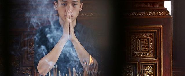 Văn Miếu tập nập sĩ tử cầu may thi THPT quốc gia