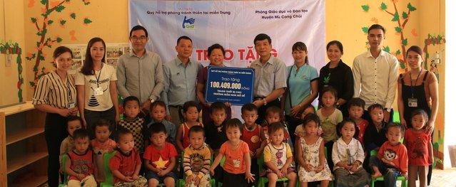 Quỹ Miền Trung trao tặng 1 tỷ đồng tại Sơn La và Yên Bái