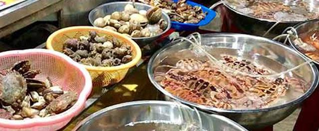 """Đi chợ hải sản tự chọn với giá rẻ """"giật mình"""" ở Lý Sơn"""